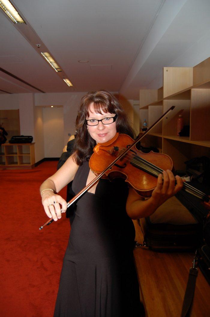 Magdalena Kruszynska Violin & Viola lessons